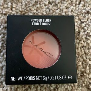 MAC Blush- Melba